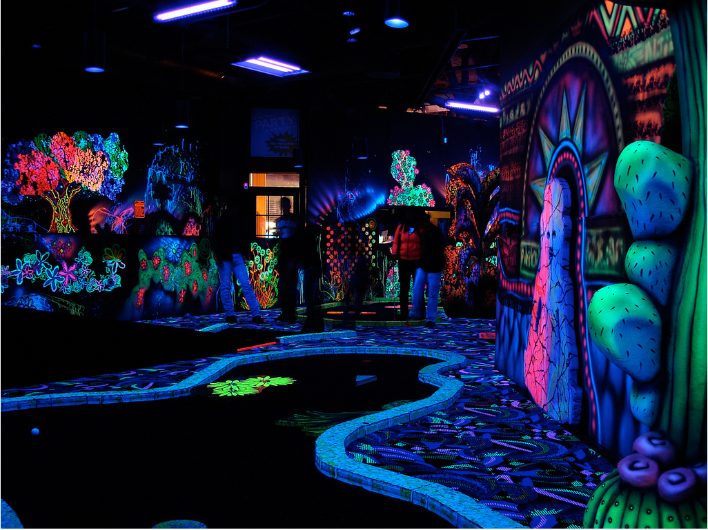 9 berlin insider tips 9flats blog inside the world of for Black light mural