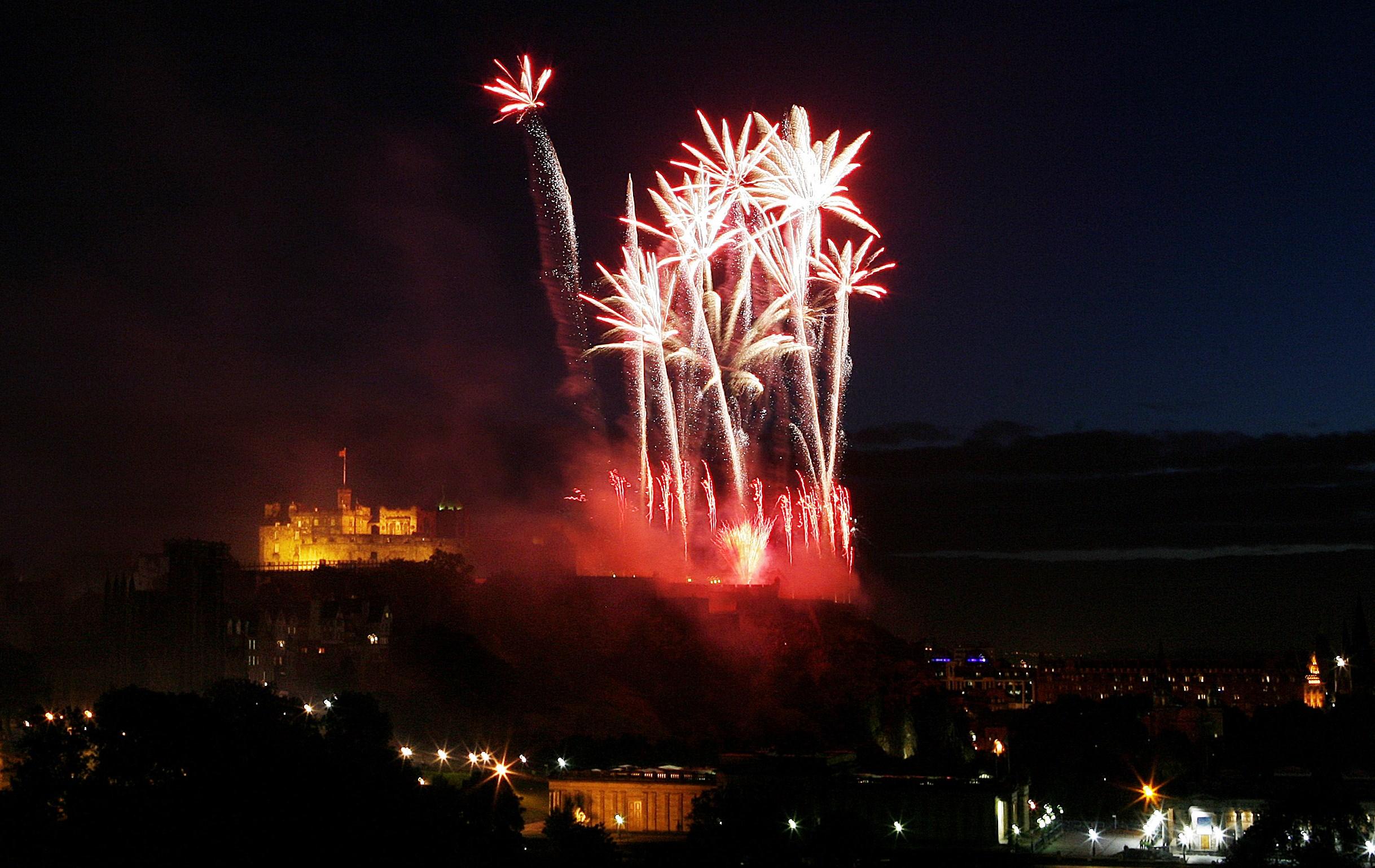 Festival di Edimburgo fuochi d'artificio